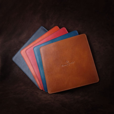 Dominique-Saint-Paul-hand-coloured-mouse-pad-online-shop-online-stire-artisan-luxury-leather-goods